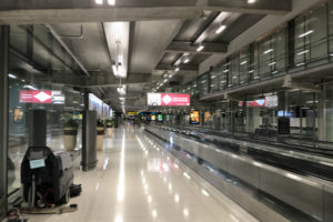 スワンナプーム空港に到着 パタヤに向けてタクシーで出発!