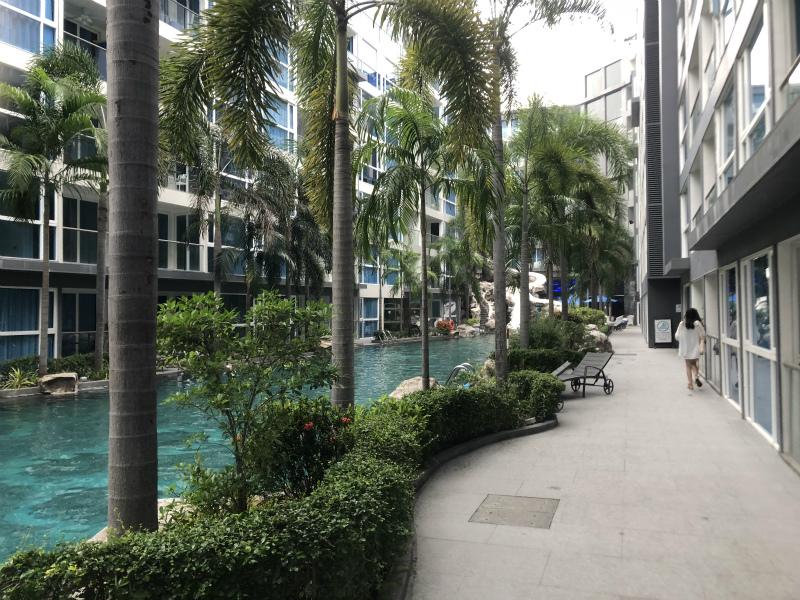 パタヤ3日目は、センタラ アズール ホテル パタヤ (Centara Azure Hotel Pattaya)へ移動
