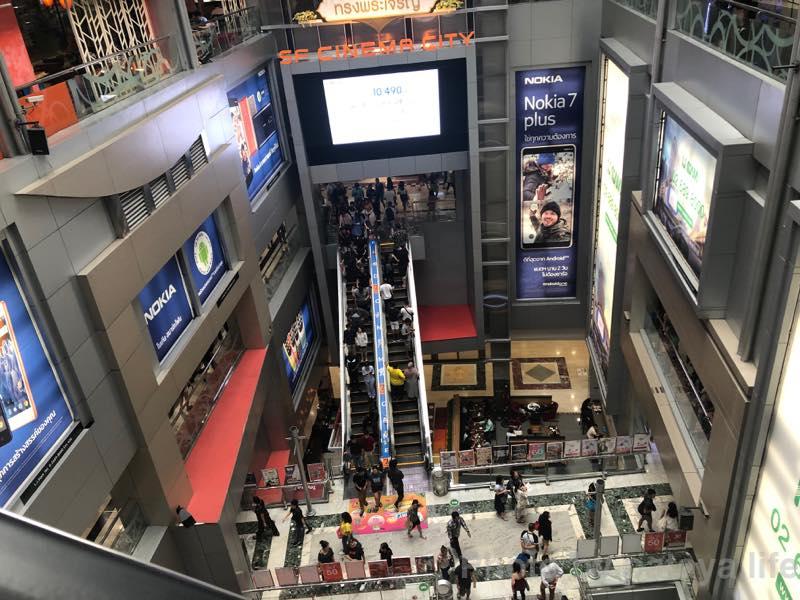 バンコクでの初日 半年ぶりにMBKセンターにT-シャツとパンツを買いに行く