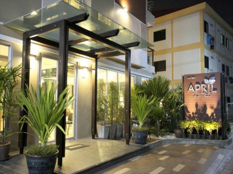 エイプリル スイーツ (April Suites Pattaya)