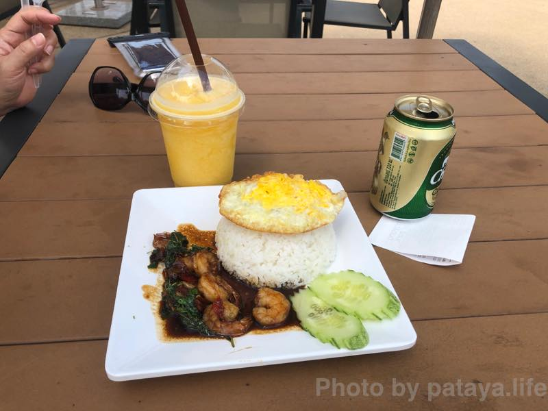 ラーマヤナ ウォーター パークの昼食