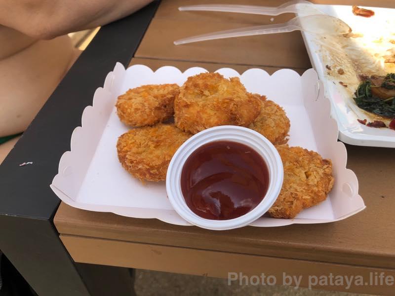 ラーマヤナ ウォーター パークで昼食